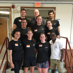 Fils '17 and PwC Volunteer On Campus